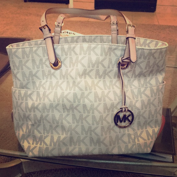 special discount of hot-selling clearance look out for Michael Kore purse MK white tan gold
